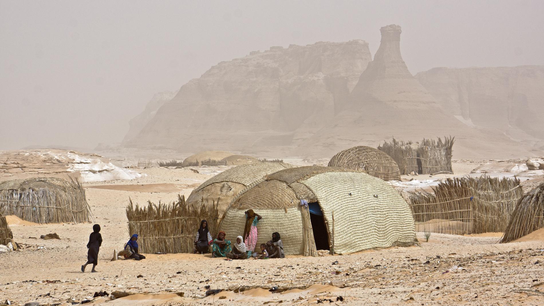 Borkou, vento di sabbia sul villaggio di Ani